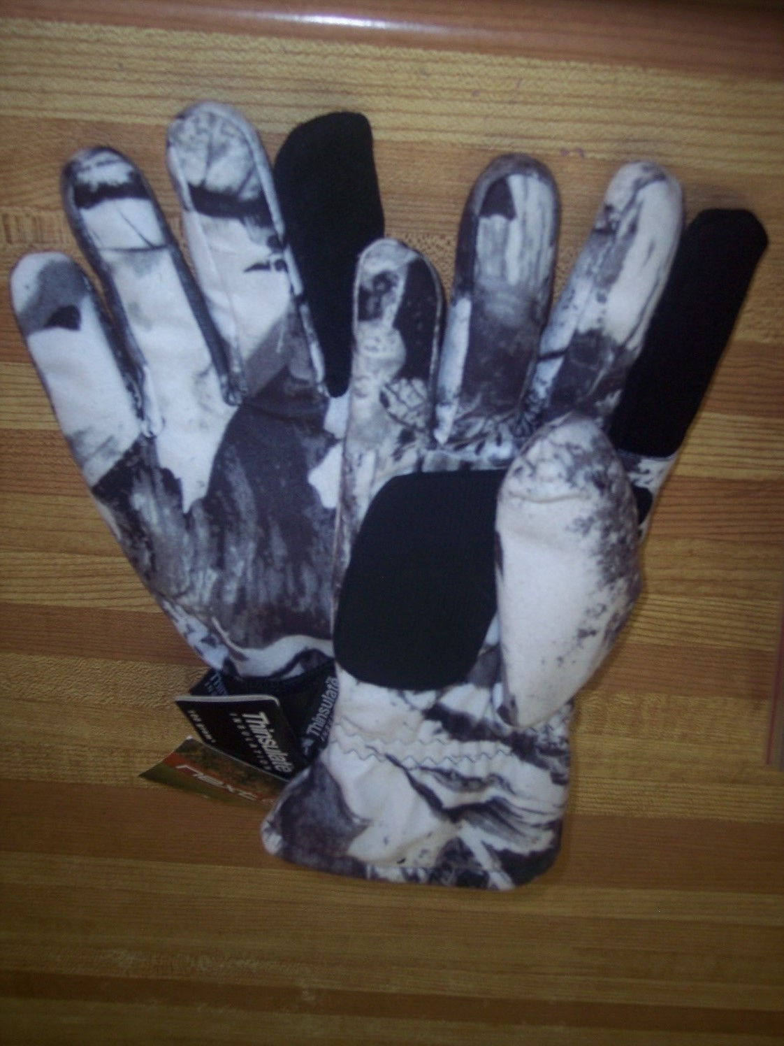 Snow Camo Gloves-Size X-LARGE